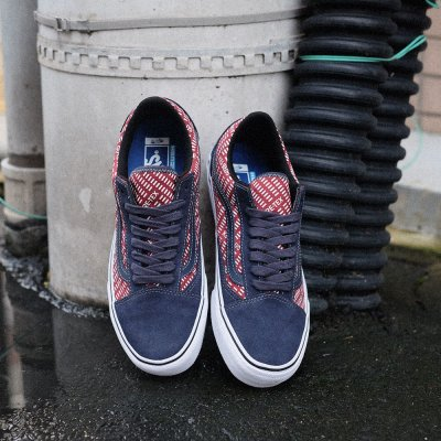 VAULT by VANS [OLD SKOOL GORE-TEX VN0A4P3FYY3] (NAVY/BURGUNDY)