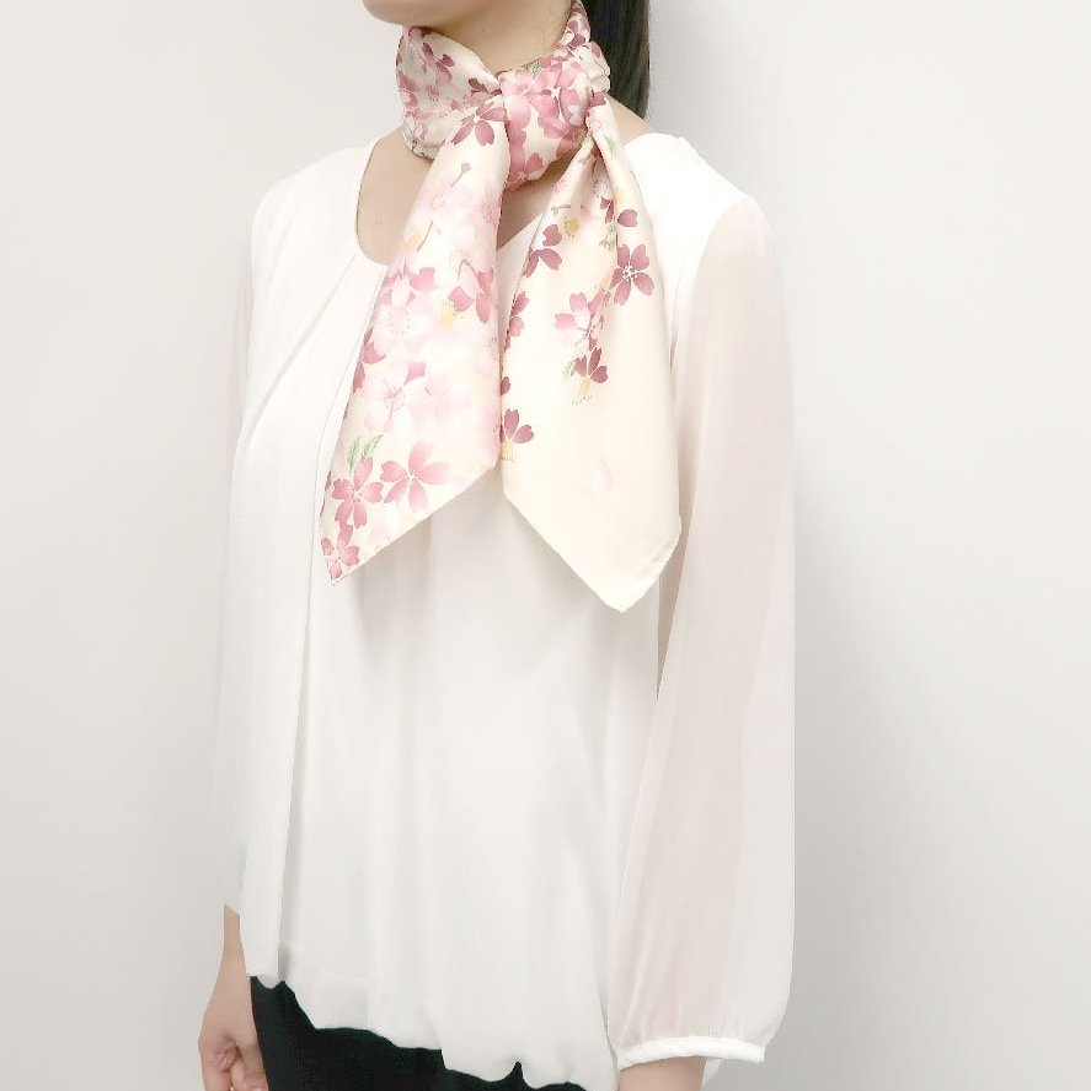 しだれ桜(CFD-021) 伝統横濱スカーフ 大判 シルクツイル スカーフの画像10