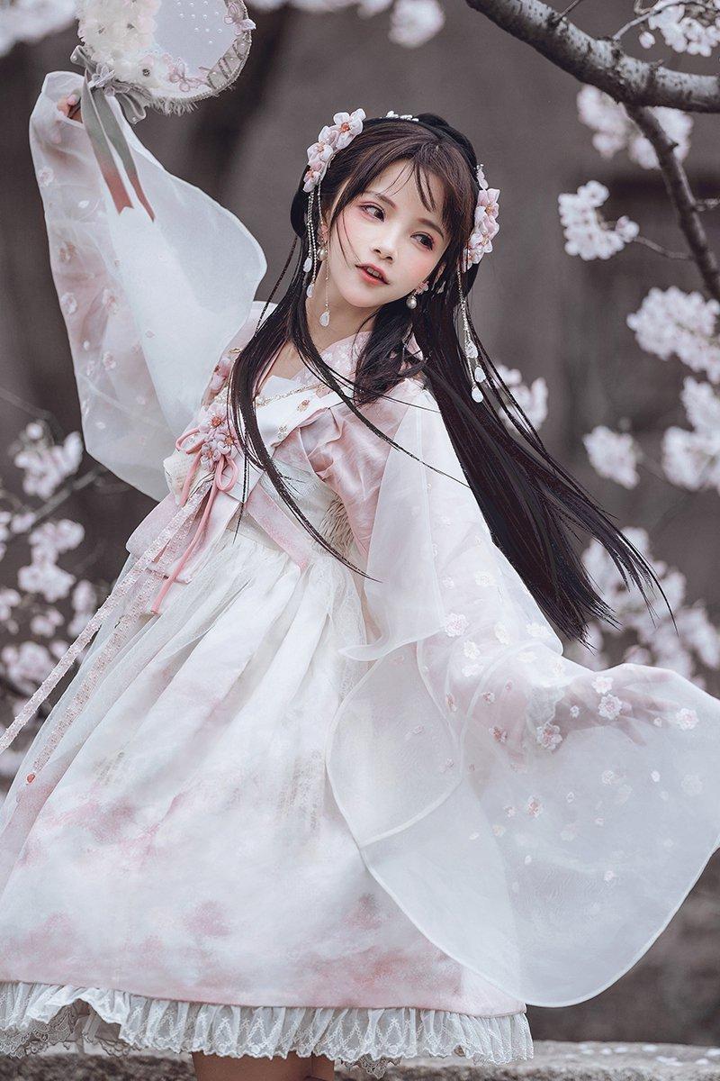 【取り寄せ】桜散るジャンパースカート【Lullaby】