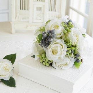 白バラとブルーベリーのラウンドブー。ケ