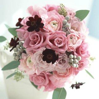 (プリザ)シックなピンクパープルにチョコレート色小花のブーケ