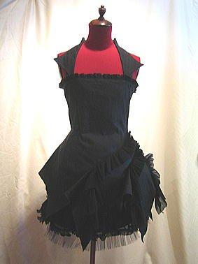 造形美デフォルメワンピース+リボンコサージュ付き総フリルスカート:黒