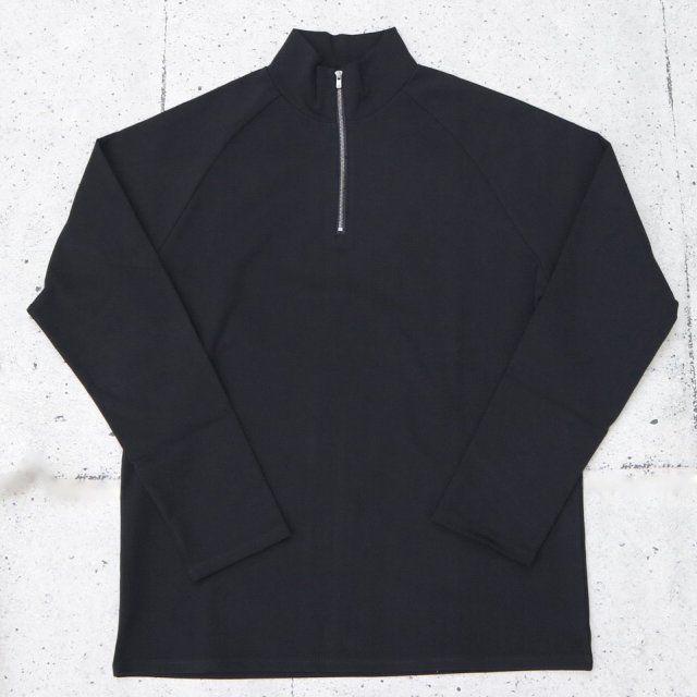 <img class='new_mark_img1' src='//img.shop-pro.jp/img/new/icons11.gif' style='border:none;display:inline;margin:0px;padding:0px;width:auto;' />juha ユハ HALF ZIP MOCKNECK TEE BLACK