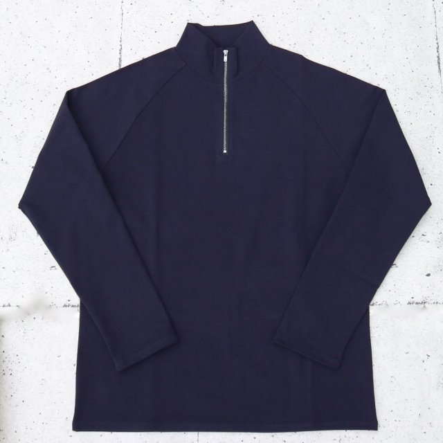 <img class='new_mark_img1' src='//img.shop-pro.jp/img/new/icons11.gif' style='border:none;display:inline;margin:0px;padding:0px;width:auto;' />juha ユハ HALF ZIP MOCKNECK TEE NAVY