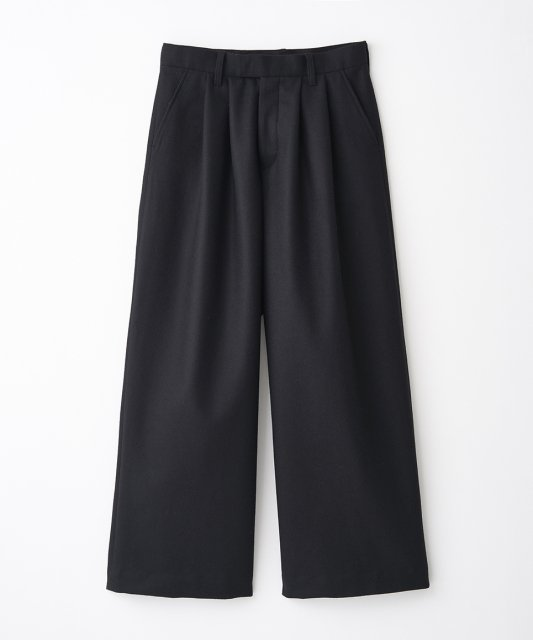 <img class='new_mark_img1' src='//img.shop-pro.jp/img/new/icons11.gif' style='border:none;display:inline;margin:0px;padding:0px;width:auto;' />juha ユハ 2TUCK WIDE TROUSER 2タックワイドトラウザー BLACK