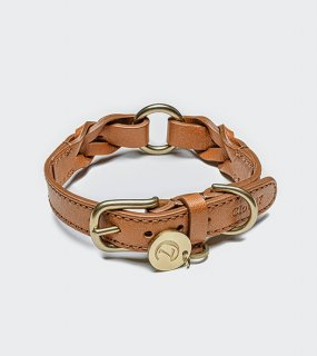 <img class='new_mark_img1' src='//img.shop-pro.jp/img/new/icons57.gif' style='border:none;display:inline;margin:0px;padding:0px;width:auto;' />DOG COLLAR HYDE PARK BRAIDED LEATHER COGNAC/CLOUD7(ドッグカラー・ハイドパーク・ブライデッドレザー・コニャック/クラウド7)