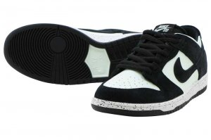 NIKE SB ZOOM DUNK LOW PRO - BLACK/BARELY GREEN