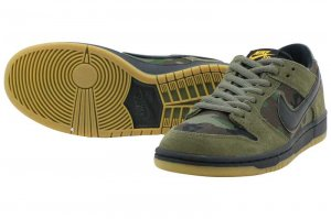 NIKE SB ZOOM DUNK LOW PRO - MEDIUM OLIVE/BLACK