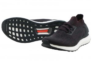 adidas  ULTRABOOST - Core Black/Dark Burgundy/Core Black