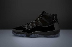 NIKE AIR JORDAN 11 RETRO - BLACK/BLACK-BLACK