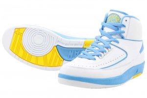 NIKE AIR JORDAN 2 RETRO - WHITE/UNIVERSUTY BLUE