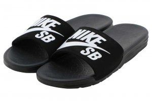 NIKE SB BENASSI SOLARSOFT - BLACK/WHITE
