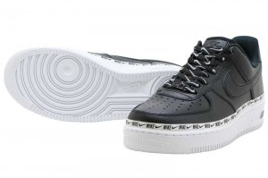 NIKE W AIR FORCE 1 07 SE PRM - BLACK