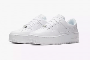 NIKE WMNS AIR FORCE 1 SAGE LOW - WHITE