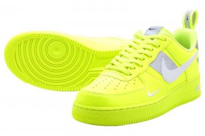 NIKE AIR FORCE 1 07 LV8 UTILITY - VOLT