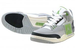 NIKE AIR JORDAN 3 RETRO - LIGHT SMOKE GREY/CHLOROPHYLL