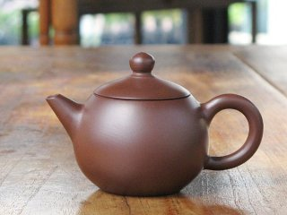 呉律均 紫泥小茶壺(1893)