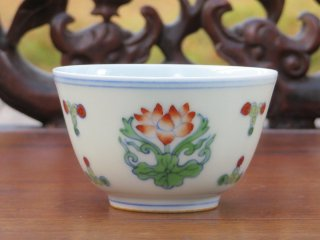 成化款 荷花杯(1495)