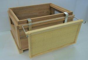 巣枠ホルダー - 養蜂器具の通販サイト秋田屋本店