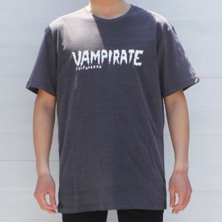 <img class='new_mark_img1' src='//img.shop-pro.jp/img/new/icons6.gif' style='border:none;display:inline;margin:0px;padding:0px;width:auto;' />【Vampirate】Tシャツ Logo Tshirt-Washed Black