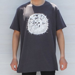 <img class='new_mark_img1' src='//img.shop-pro.jp/img/new/icons6.gif' style='border:none;display:inline;margin:0px;padding:0px;width:auto;' />【Vampirate】Tシャツ OM Skull Tee-Washed Black