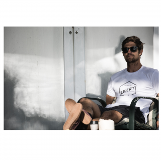 <img class='new_mark_img1' src='//img.shop-pro.jp/img/new/icons6.gif' style='border:none;display:inline;margin:0px;padding:0px;width:auto;' />【EMERY】HEX TEE / WHITE Tシャツ