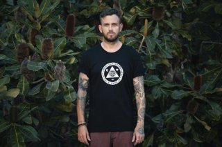 <img class='new_mark_img1' src='//img.shop-pro.jp/img/new/icons24.gif' style='border:none;display:inline;margin:0px;padding:0px;width:auto;' />20% OFF【EMERY】 CULTIST TEE / BLACK