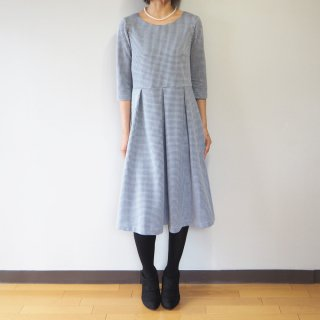 【L】アーミッシュ風シンプルワンピース◇七分袖(千鳥格子)*ネイビー*<img class='new_mark_img2' src='//img.shop-pro.jp/img/new/icons5.gif' style='border:none;display:inline;margin:0px;padding:0px;width:auto;' />