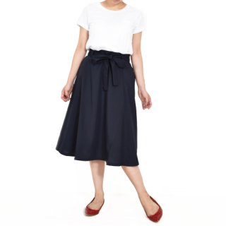<img class='new_mark_img1' src='//img.shop-pro.jp/img/new/icons20.gif' style='border:none;display:inline;margin:0px;padding:0px;width:auto;' />Navy set up skirt