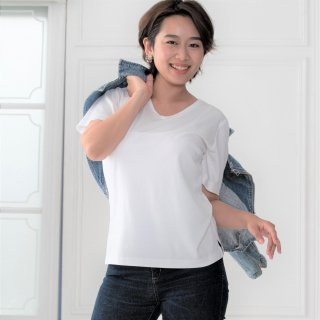 <img class='new_mark_img1' src='https://img.shop-pro.jp/img/new/icons11.gif' style='border:none;display:inline;margin:0px;padding:0px;width:auto;' />【30%OFF】T-shirt V neck -White-