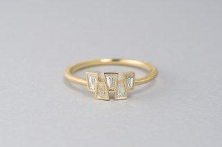 Tapered 5石のテーパーダイヤモンドのリング