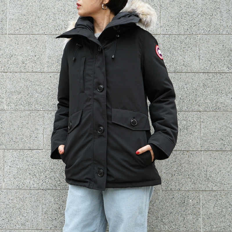 <img class='new_mark_img1' src='//img.shop-pro.jp/img/new/icons50.gif' style='border:none;display:inline;margin:0px;padding:0px;width:auto;' />[CANADA GOOSE] カナダグース CHARLOTTE PARKA 2300JL (BLACK)