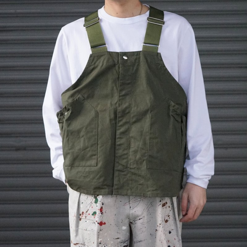 <img class='new_mark_img1' src='https://img.shop-pro.jp/img/new/icons50.gif' style='border:none;display:inline;margin:0px;padding:0px;width:auto;' />[hobo] ホーボー Cotton Twill Gardener Vest by LAND & B.C. (OLIVE)