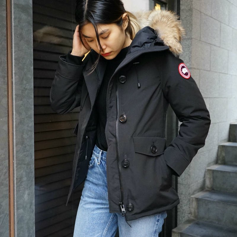<img class='new_mark_img1' src='https://img.shop-pro.jp/img/new/icons6.gif' style='border:none;display:inline;margin:0px;padding:0px;width:auto;' />[CANADA GOOSE] カナダグース CHARLOTTE PARKA 2300JL (BLACK)