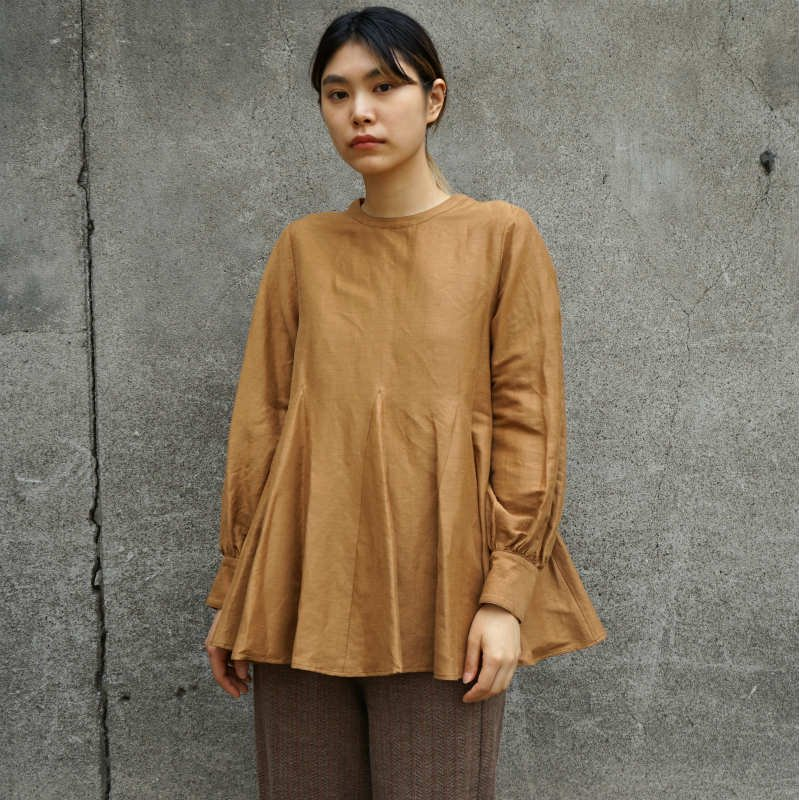 <img class='new_mark_img1' src='https://img.shop-pro.jp/img/new/icons6.gif' style='border:none;display:inline;margin:0px;padding:0px;width:auto;' />[Uhr] ウーア Linen Flare Blouse(GREEN・BROWN・RED)