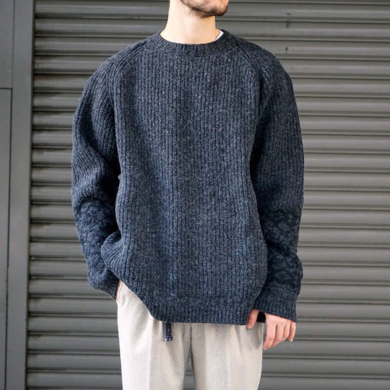 <img class='new_mark_img1' src='https://img.shop-pro.jp/img/new/icons8.gif' style='border:none;display:inline;margin:0px;padding:0px;width:auto;' />[AUGUSTE-PRESENTATION]  Crew neck Knit (BLACK) AUNIT001