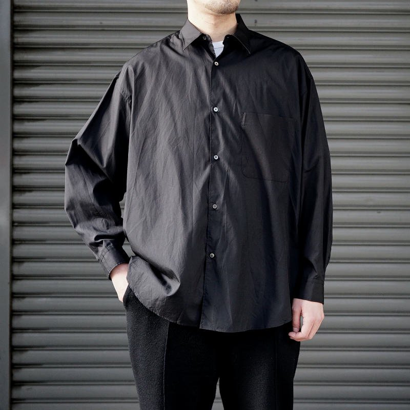 <img class='new_mark_img1' src='https://img.shop-pro.jp/img/new/icons8.gif' style='border:none;display:inline;margin:0px;padding:0px;width:auto;' />[Graphpaper] Broad L/S Oversized Regular Collar Shirt (各色)