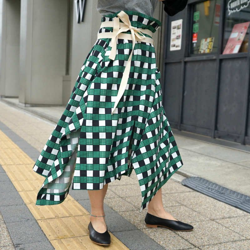 <img class='new_mark_img1' src='https://img.shop-pro.jp/img/new/icons6.gif' style='border:none;display:inline;margin:0px;padding:0px;width:auto;' />[PLAN C] プランシー LONG SKIRT(GREEN CHECK)