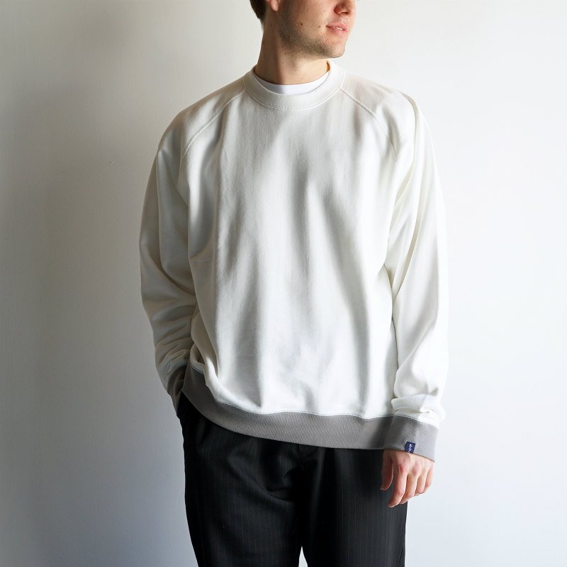 <img class='new_mark_img1' src='https://img.shop-pro.jp/img/new/icons8.gif' style='border:none;display:inline;margin:0px;padding:0px;width:auto;' />[Graphpaper] LOOPWHEELER for Graphpaper Raglan Sweat ( 各色)