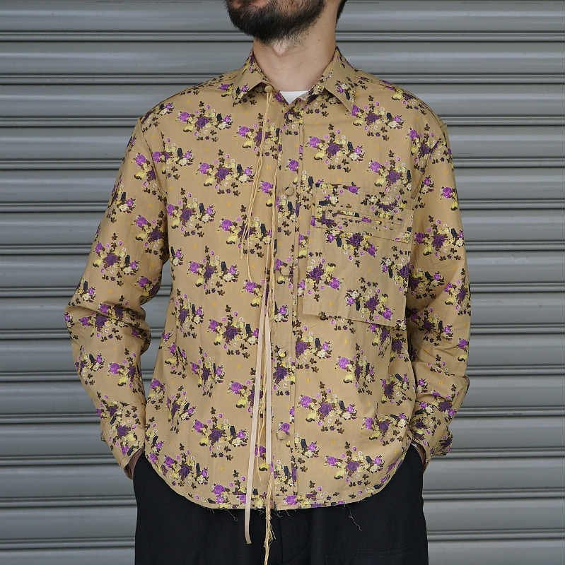 <img class='new_mark_img1' src='https://img.shop-pro.jp/img/new/icons8.gif' style='border:none;display:inline;margin:0px;padding:0px;width:auto;' />[Midorikawa] PRINT SHIRT (BEIGE / PURPLE)  MID20SS-SH04 B