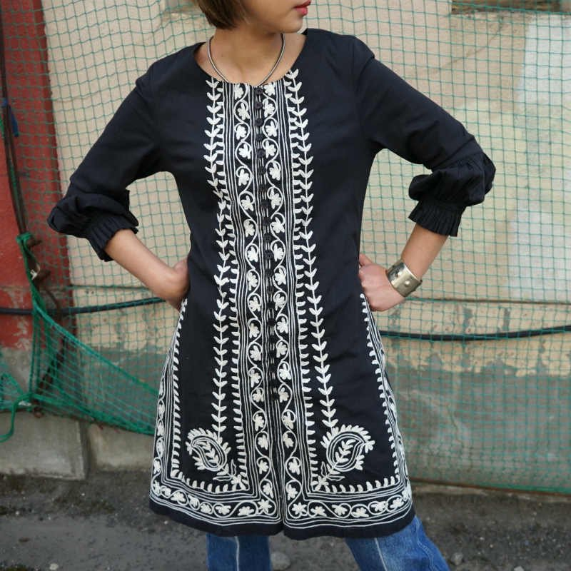 <img class='new_mark_img1' src='https://img.shop-pro.jp/img/new/icons6.gif' style='border:none;display:inline;margin:0px;padding:0px;width:auto;' />[MaW VINTAGE] Robe Fantasie Tunic