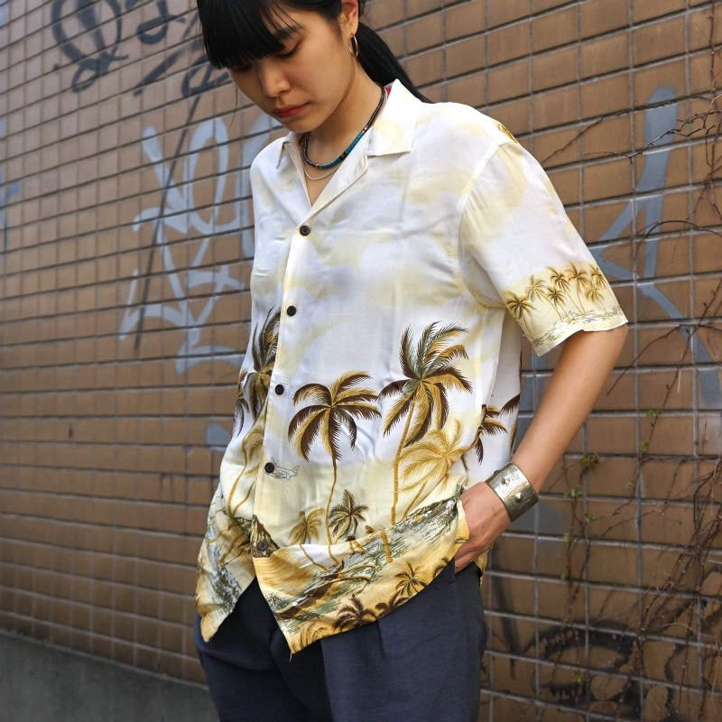 <img class='new_mark_img1' src='https://img.shop-pro.jp/img/new/icons50.gif' style='border:none;display:inline;margin:0px;padding:0px;width:auto;' />[MaW VINTAGE] Chemise Hawai Shirts