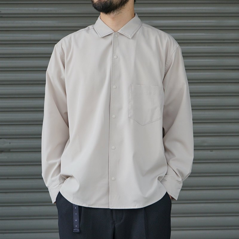 <img class='new_mark_img1' src='https://img.shop-pro.jp/img/new/icons8.gif' style='border:none;display:inline;margin:0px;padding:0px;width:auto;' />[O-] オー BAGGY SHIRT (Sand)