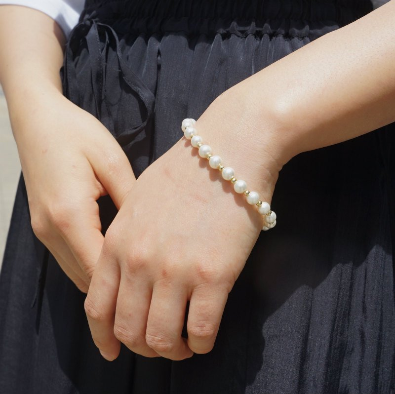 <img class='new_mark_img1' src='https://img.shop-pro.jp/img/new/icons6.gif' style='border:none;display:inline;margin:0px;padding:0px;width:auto;' />[MaW VINTAGE] Pearl Bracelet