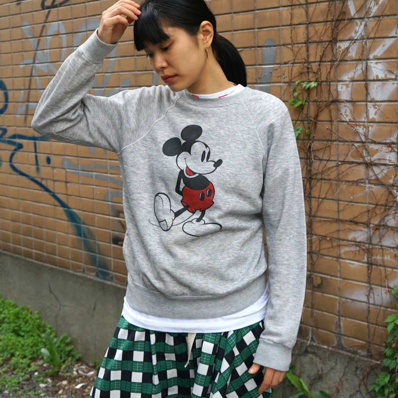 "<img class='new_mark_img1' src='https://img.shop-pro.jp/img/new/icons6.gif' style='border:none;display:inline;margin:0px;padding:0px;width:auto;' />[MaW VINTAGE] vintage ""MICKEY"" sweat"