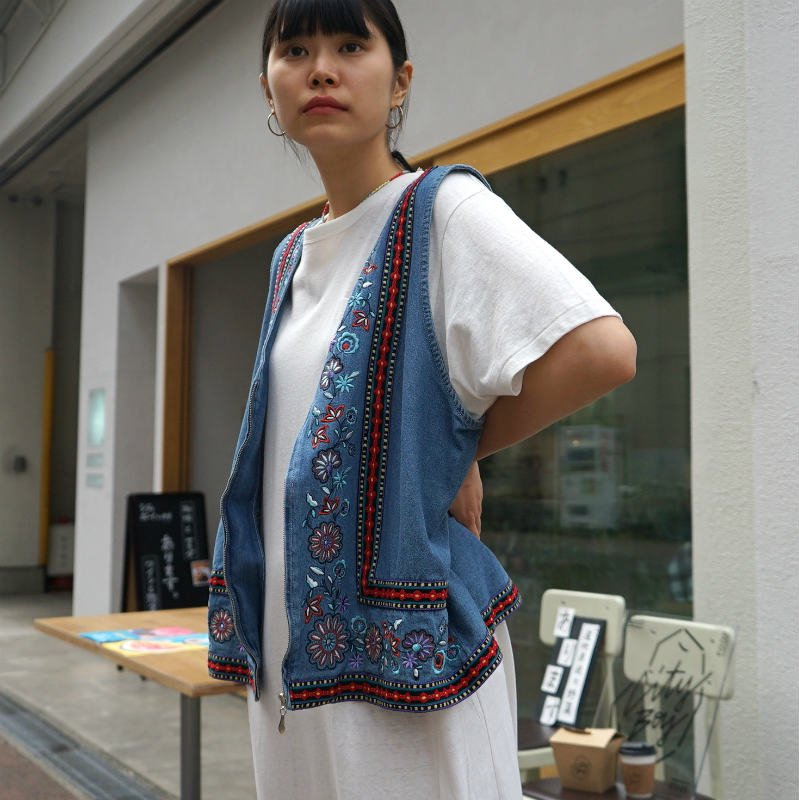 <img class='new_mark_img1' src='https://img.shop-pro.jp/img/new/icons6.gif' style='border:none;display:inline;margin:0px;padding:0px;width:auto;' />[MaW VINTAGE] Mix Mexico Denim Vest