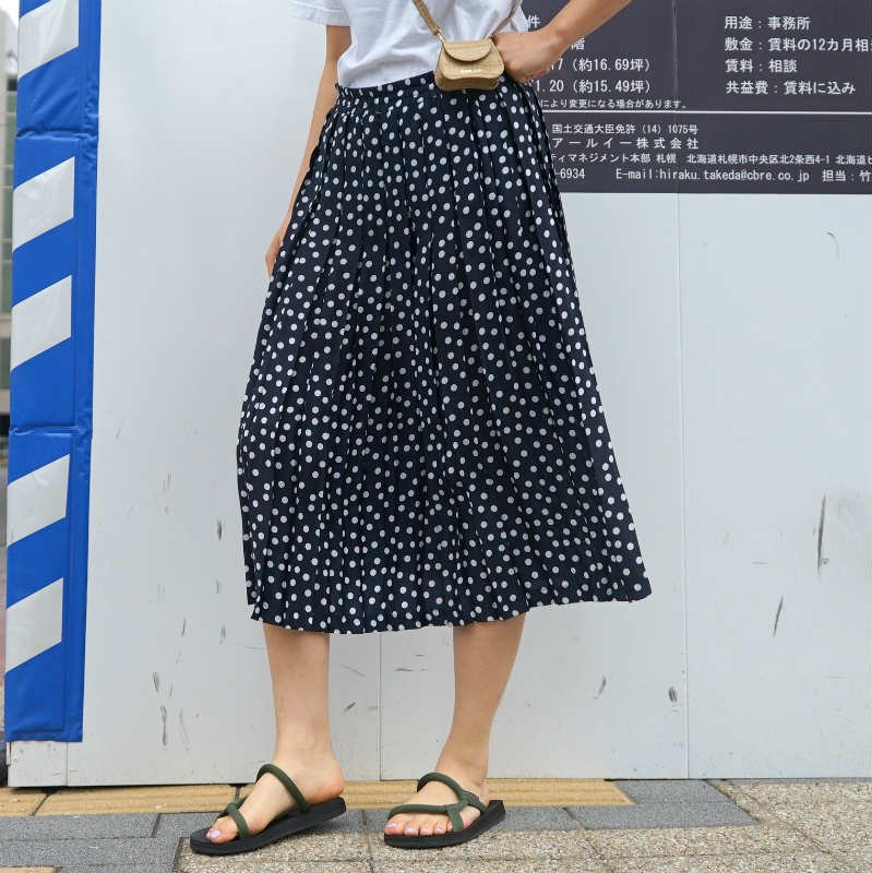 <img class='new_mark_img1' src='https://img.shop-pro.jp/img/new/icons6.gif' style='border:none;display:inline;margin:0px;padding:0px;width:auto;' />[MaW VINTAGE] Dot Pleats Skirt