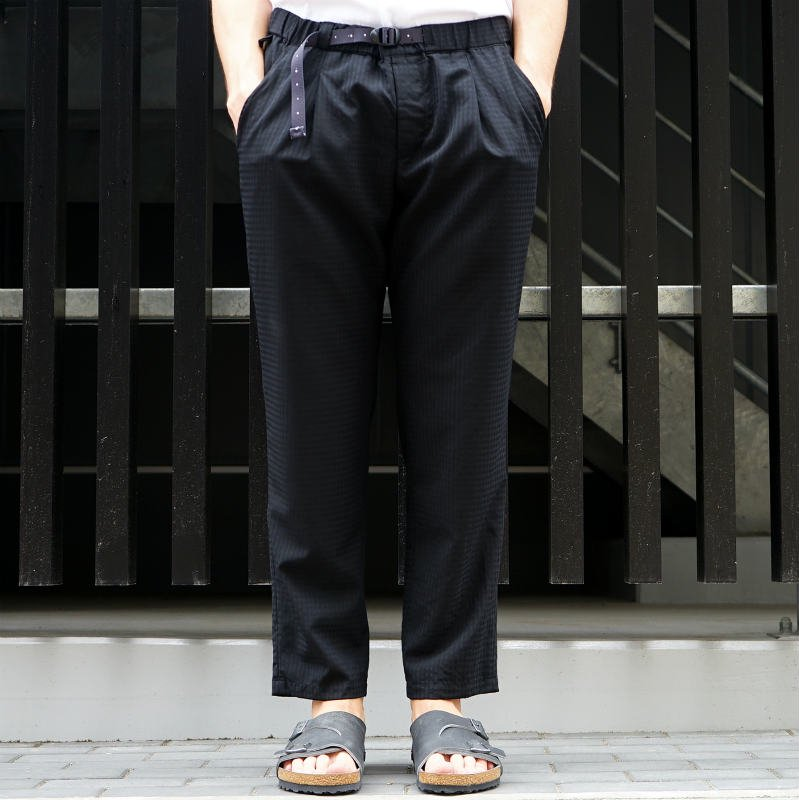 <img class='new_mark_img1' src='https://img.shop-pro.jp/img/new/icons8.gif' style='border:none;display:inline;margin:0px;padding:0px;width:auto;' />[O-] オー NARROW EASY TROUSERS (Black Plaid)