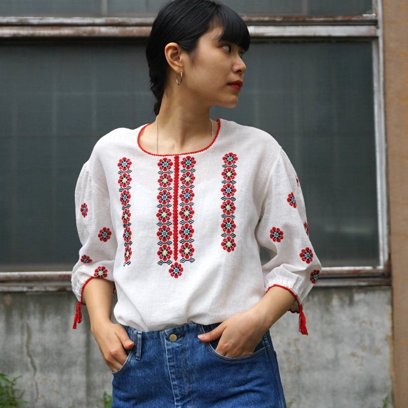 <img class='new_mark_img1' src='https://img.shop-pro.jp/img/new/icons6.gif' style='border:none;display:inline;margin:0px;padding:0px;width:auto;' />[MaW VINTAGE] Flower Tunic