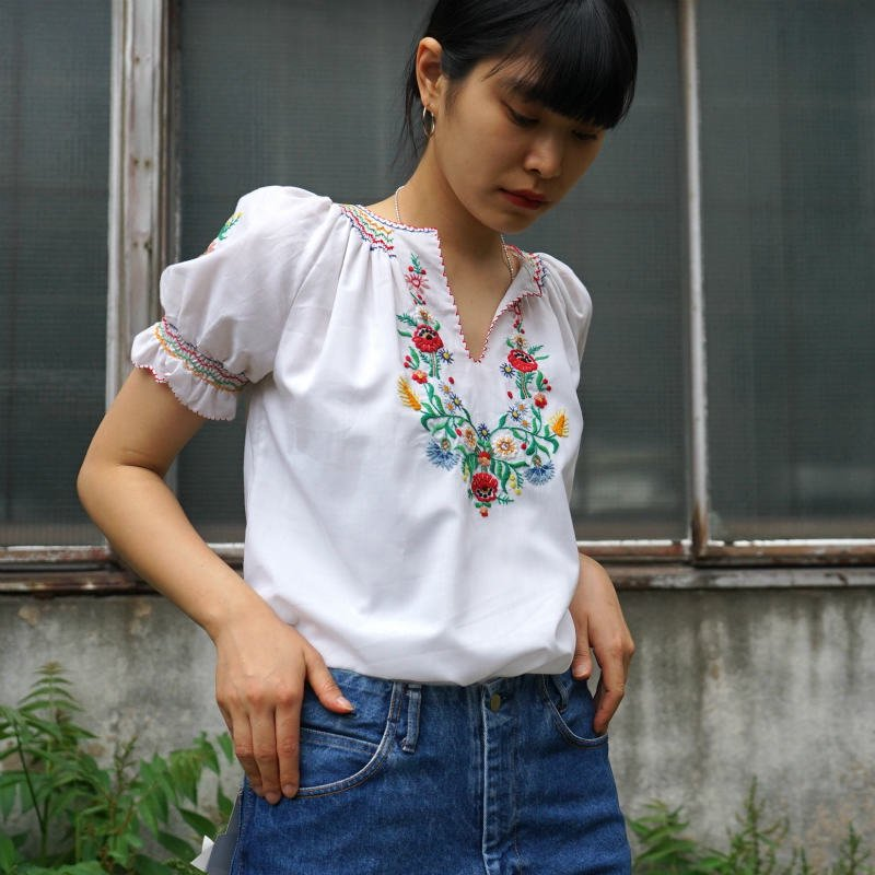 <img class='new_mark_img1' src='https://img.shop-pro.jp/img/new/icons6.gif' style='border:none;display:inline;margin:0px;padding:0px;width:auto;' />[MaW VINTAGE] H/S Flower Puff Tunic